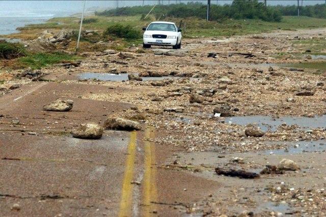 Stuhia tropikale godet jugun e SHBA-ve