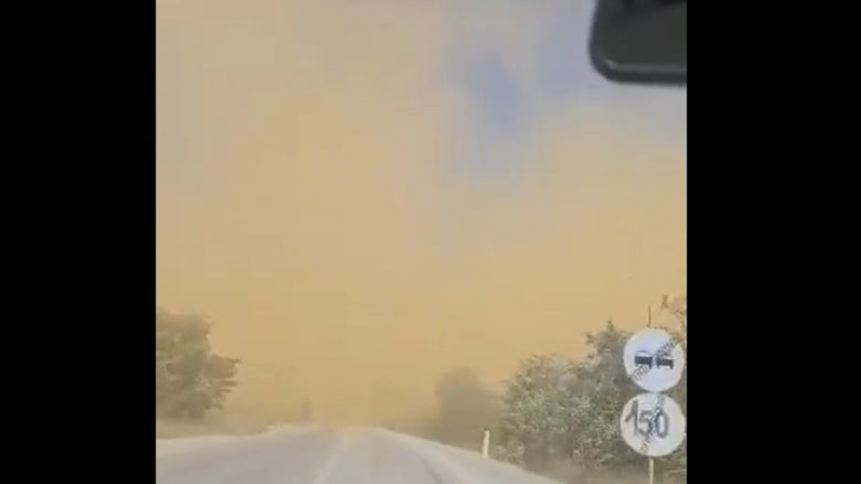 Pluhuri saharian mbulon një pjesë në afërsi të liqenit të Badovcit